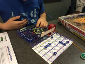 Snap Circuit kids make electronics a SNAP!